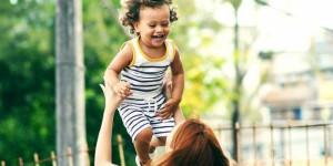 Каких мам избегать на детской площадке